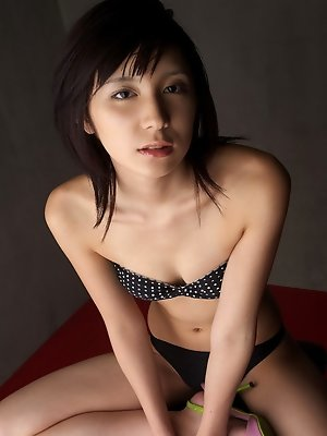 Miu Nakamura Asian in lingerie only knows to expose her curves